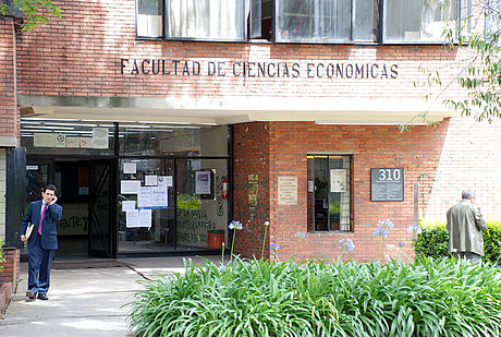 Facultad de Ciencias Económicas Universidad Nacional